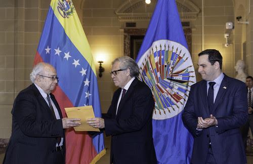 Nuevo Embajador de Venezuela presenta credenciales