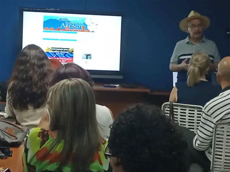 """OHA presenta el proyecto """"Inteligencia Electoral"""" en Caracas Ciudad Plural"""